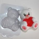 Форма пластиковая Мишка с сердцем